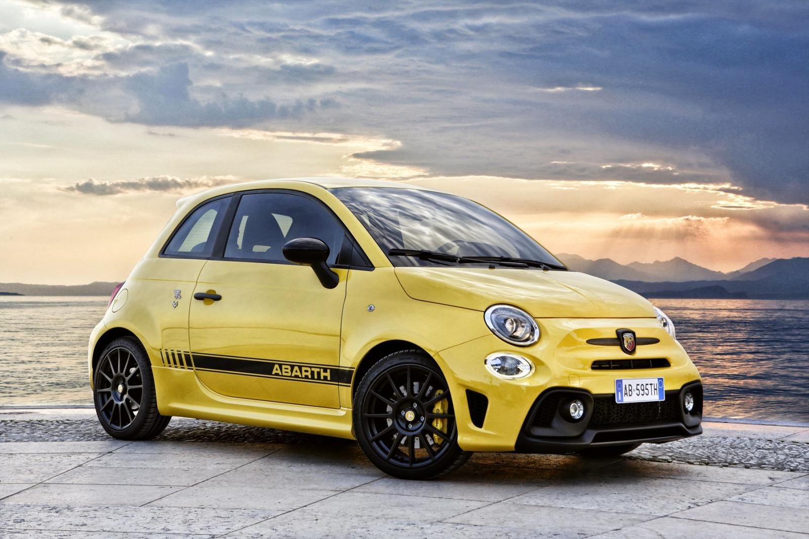 Fiat Abarth 595 (2017) Specs & Price - Cars.co.za