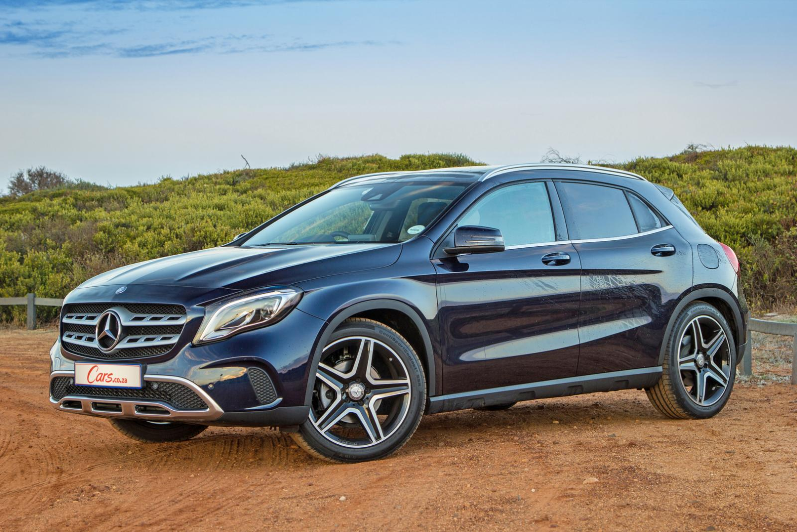 mercedes benz gla 220d 4matic 2017 quick review. Black Bedroom Furniture Sets. Home Design Ideas