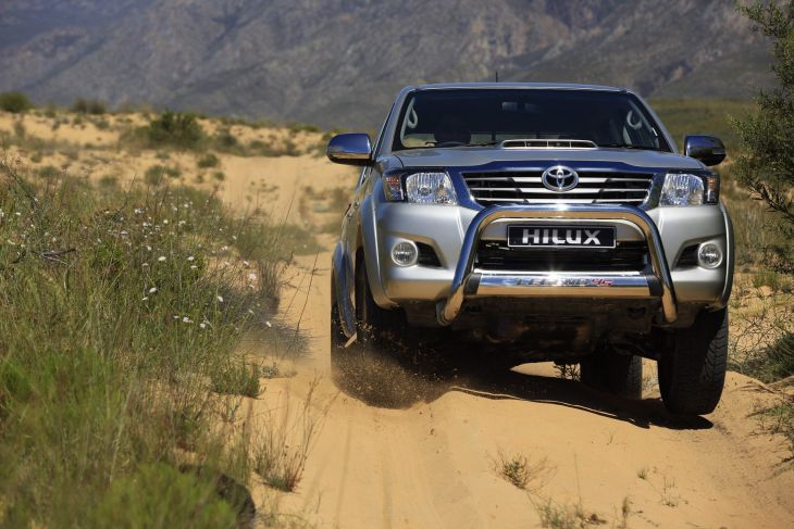 Toyota Hilux Legend 45 Specs And Pricing Cars Co Za